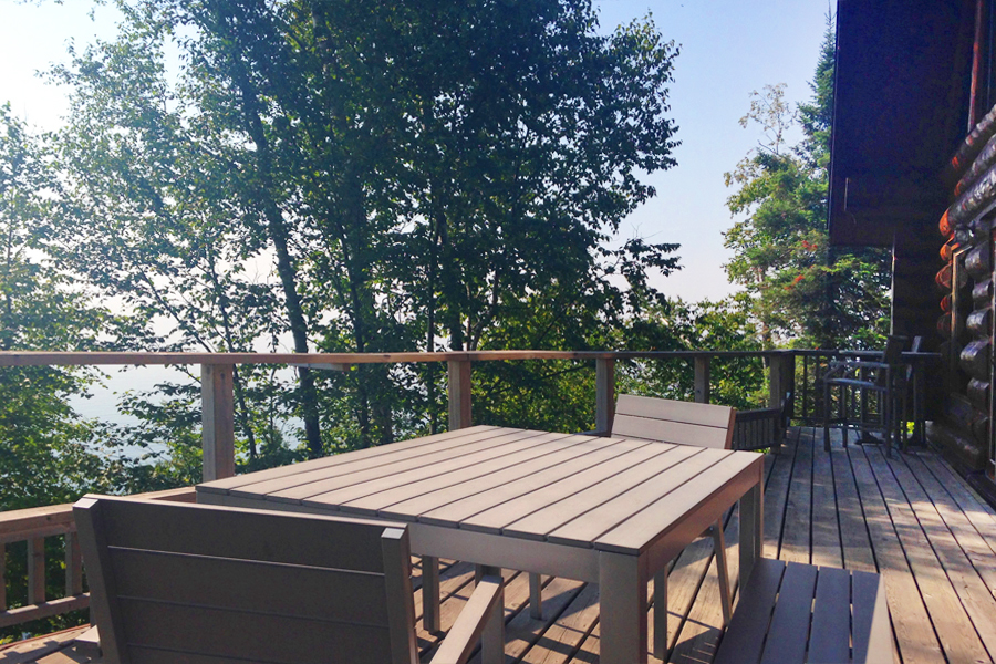 lake-superior-cabin-rental-highbrow-deck-2