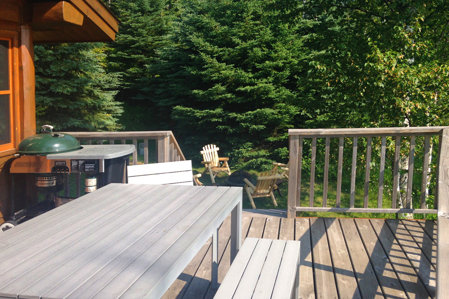 lake-superior-cabin-rental-highbrow-deck-3