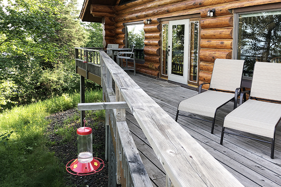lake-superior-cabin-rental-highbrow-deck-6