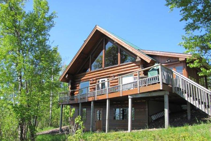 lake-superior-cabin-rental-highbrow-exterior-1