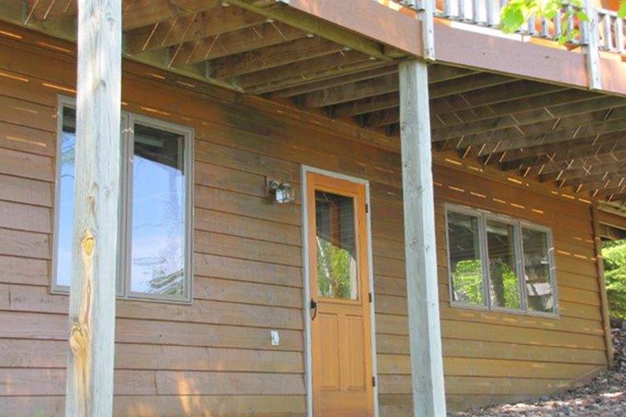 lake-superior-cabin-rental-highbrow-exterior-8
