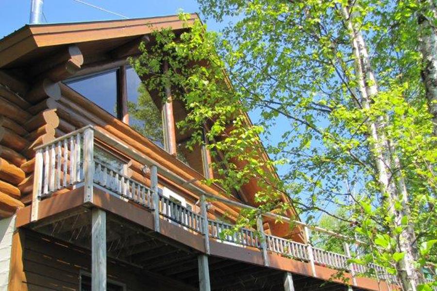 lake-superior-cabin-rental-highbrow-exterior-9