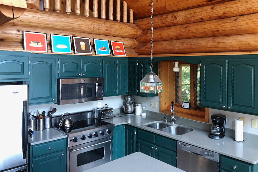 lake-superior-cabin-rental-highbrow-kitchen-2