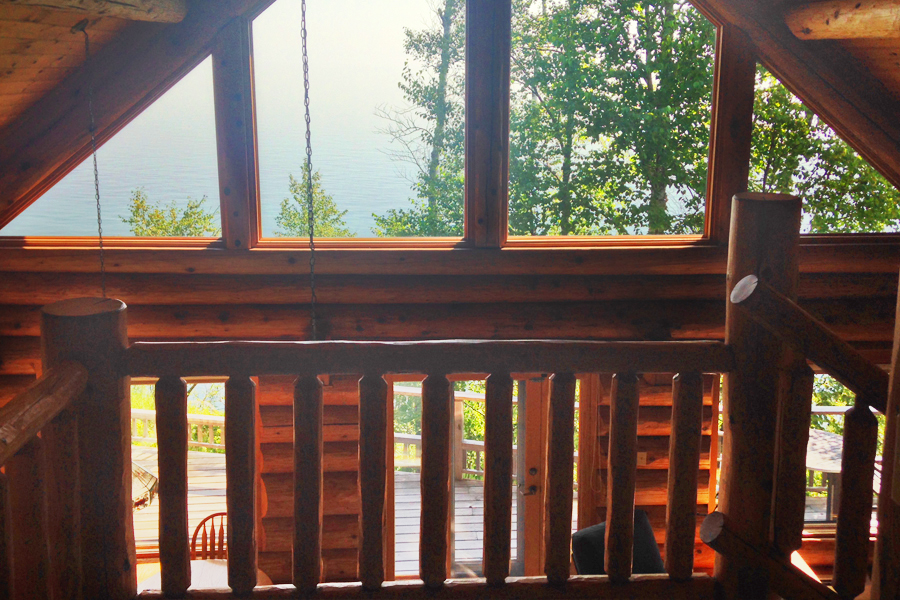 lake-superior-cabin-rental-highbrow-master-bed-4